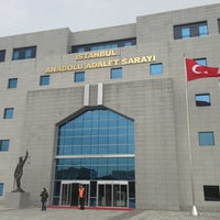 Photo taken at İstanbul Anadolu Adalet Sarayı by Gokce U. on 3/14/2013