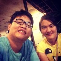 Photo taken at ร้านส้มตำเมืองคอน @สะพานหิน by Kittisak T. on 1/24/2014
