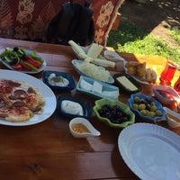 7/30/2017 tarihinde Duygu A.ziyaretçi tarafından Hacı Anne'nin Yeri Gözleme ve Kahvaltı Evi'de çekilen fotoğraf