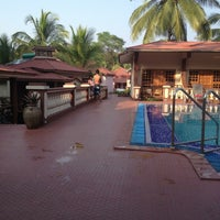 Photo taken at Leoney Resort Anjuna by Артем К. on 12/25/2012