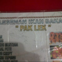 "Photo taken at Lesehan Ikan Bakar ""Pak Lek"" by Juneca P. on 3/31/2013"