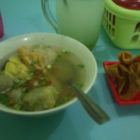 Photo taken at Bakso dan Es Campur Miroso by Vian S. on 6/7/2013