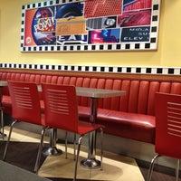Photo taken at Burger King by Eduardo G. on 5/26/2013