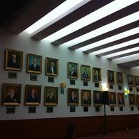 Photo taken at Tribunal Superior de Justicia de la Ciudad de México - Juzgados de lo Familiar by Carlos C. on 12/4/2012