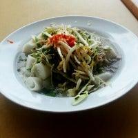 Photo taken at Restoran Sri Kelantan by Syahrul I. on 11/24/2012