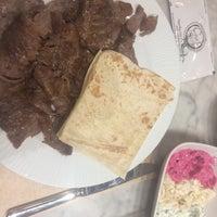 3/28/2018 tarihinde Yasemin R.ziyaretçi tarafından Chef Döner'de çekilen fotoğraf