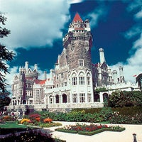 Photo taken at Casa Loma by Jalaine N. on 7/4/2013