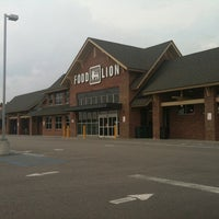 Photo taken at Food Lion Grocery Store by Suzanne B. on 7/8/2011