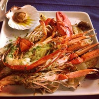รูปภาพถ่ายที่ Laguna Sky Restaurant โดย  Indira . เมื่อ 11/2/2014