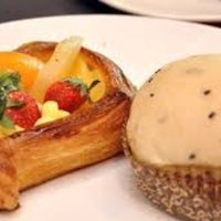 Photo taken at Love A Loaf Bakery & Café by Nur K. on 4/19/2017