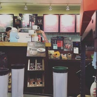 Photo taken at Starbucks by Young Jun K.🎗 on 12/20/2015