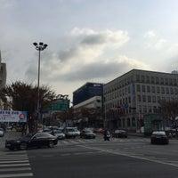 Photo taken at 학동역사거리 by Young Jun K. 🍁 on 11/24/2017