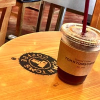 Photo taken at TOM N TOMS COFFEE by Young Jun K. 🌻 on 8/17/2016