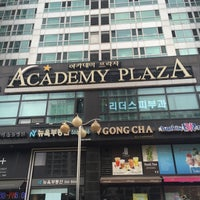 Photo taken at Academy Plaza by Young Jun K.🎗 on 7/18/2016