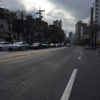 Photo taken at 걸어가는 만리동고개 by Young Jun K.🌱 on 11/25/2015
