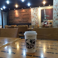10/20/2014에 Young Jun K.🎗님이 TOM N TOMS COFFEE에서 찍은 사진