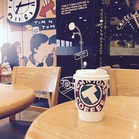 Photo taken at TOM N TOMS COFFEE by Young Jun K. 🌻 on 2/19/2016