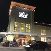 Photo taken at Whole Foods Market by Blauer serious Pro! B. on 12/7/2012