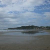 Foto tirada no(a) Praia da Ribanceira por Kaka A. em 2/15/2013