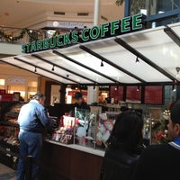 Das Foto wurde bei Starbucks von Randy P. am 11/13/2012 aufgenommen