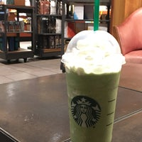 Photo taken at Starbucks by Yzek M. on 9/21/2016