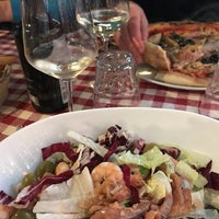 Foto tomada en Taverna Del Borgo Antico por Olga G. el 1/6/2018