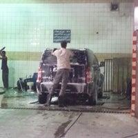 Photo taken at مغسلة البركة للسيارات by [NaWaF] on 7/26/2013