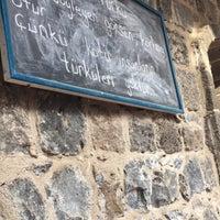 2/15/2018 tarihinde Pelşinziyaretçi tarafından Saray Kapı Kahvaltı & Cafe'de çekilen fotoğraf