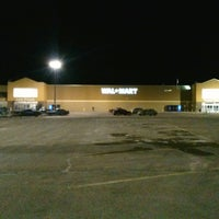 Photo taken at Walmart Supercenter by Damon D. on 3/22/2013