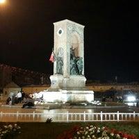 6/29/2013 tarihinde Deniz O.ziyaretçi tarafından Taksim Meydanı'de çekilen fotoğraf