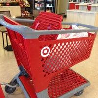 4/11/2013 tarihinde Monica M.ziyaretçi tarafından Target'de çekilen fotoğraf