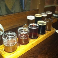 Foto tirada no(a) Grizzly Peak Brewing Co. por Liz M. em 3/31/2013
