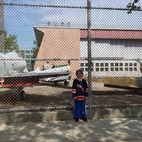 Das Foto wurde bei Aviation High School von Ezri S. am 6/8/2014 aufgenommen