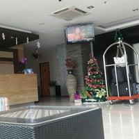 Photo taken at Hotel Arjuna by Prigma B. on 12/24/2016
