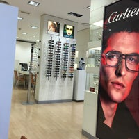 Photo taken at Optica Universitaria by Guillem R. on 7/29/2016