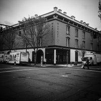 Foto tirada no(a) Pine Street Market por Jonny W. em 4/14/2016