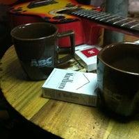 Photo taken at Icank Rock Caffe by ㅤɒοᅠʏοʋᅠ ωɑɴτᅠ τ. on 11/15/2012