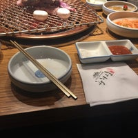 Photo taken at 왕비집 (王妃家) by Blossom K. on 4/11/2017