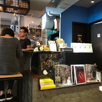 Photo taken at Brew Note Coffee Roaster by Blossom K. on 5/27/2017