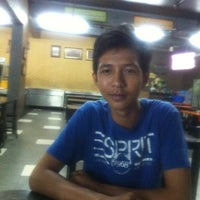 Photo taken at Restoran PG by Zunnurain A. on 11/30/2012