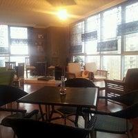 1/6/2013 tarihinde Cemziyaretçi tarafından Maviyel Cafe'de çekilen fotoğraf