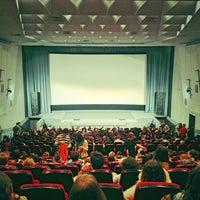 Снимок сделан в Кинотеатр «Украина» пользователем Ya M. 4/19/2013