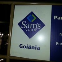 Photo taken at Sam's Club by Gilberto T. on 1/5/2013