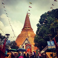 Photo taken at Phra Pathom Chedi by Bank T. on 11/11/2012