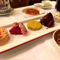 รูปภาพถ่ายที่ Honça Anatolia Cuisine โดย Burhan G. เมื่อ 10/28/2014