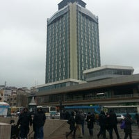Das Foto wurde bei The Marmara Taksim von Erdi I. am 12/20/2012 aufgenommen