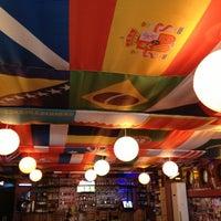 11/16/2012 tarihinde Hüsnü Y.ziyaretçi tarafından Hangover Cafe & Bar'de çekilen fotoğraf