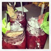 Снимок сделан в ARKA Bar & Grill пользователем Svetlana K. 5/17/2013