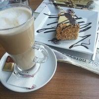 6/22/2013 tarihinde Esraziyaretçi tarafından Coffeemania'de çekilen fotoğraf