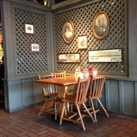 Photo taken at Cracker Barrel Old Country Store by Howie P. on 12/11/2012